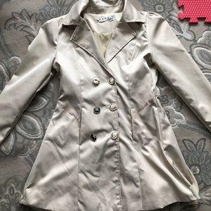 Beige light coat